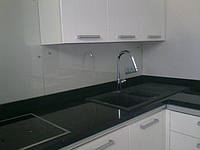 Стеклянная панель для рабочей стенки кухни - скинали, фото 1