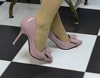 Туфли лаковые бежево-розовые лодочки спереди бантик код 5246