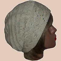 Вязаная шапка-берет молочно-белого  цвета со стразами