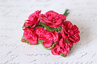Цветы магнолии для скрапбукинга диаметр 4 см, 6 ш/уп., малинового цвета