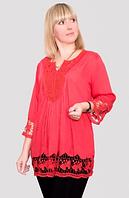 Блуза женская с кружевным  украшением