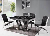Оригинальный стеклянный стол