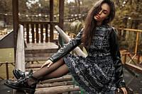 Женский костюм кофта с кожаными рукавами