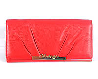 Женский кожаный кошелек красного цвета