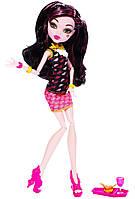 Кукла Monster High Creepateria Draculaura Doll, Монстер Хай Дракулаура Крепатерия.