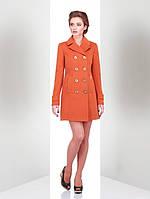 Яркое женское пальто модного кроя от производителя
