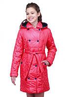 Яркая детская куртка для девочек с капюшоном под пояс