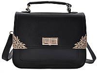 Женская сумка с металлическими уголками