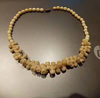 Старинное ожерелье из натуральной слоновой кости