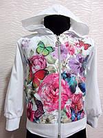 Ветровка для девочки украшена цветочным принтом и стразами, фото 1