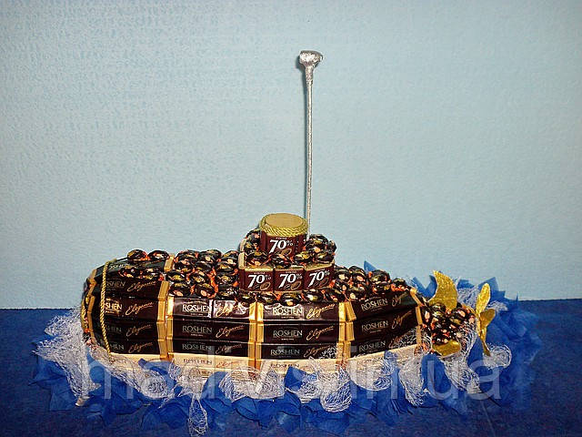 Лодка из конфет своими руками фото 27