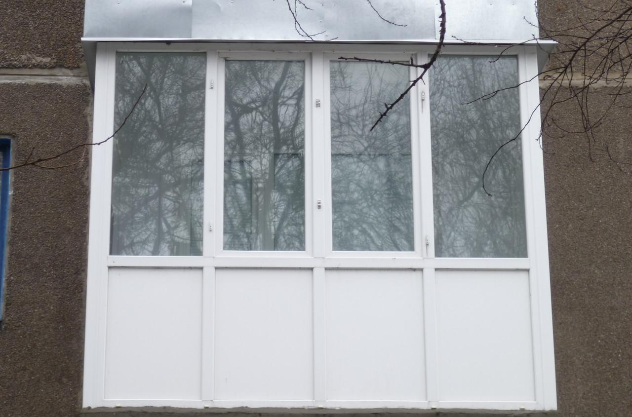 Балкон под ключ. французская рама от пола до потолка. - окна.