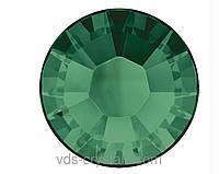 Стразы Swarovski клеевые горячей фиксации 2038 Emerald F (205)