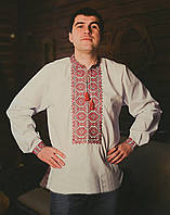 Оригинальная мужская вышиванка с орнаментом