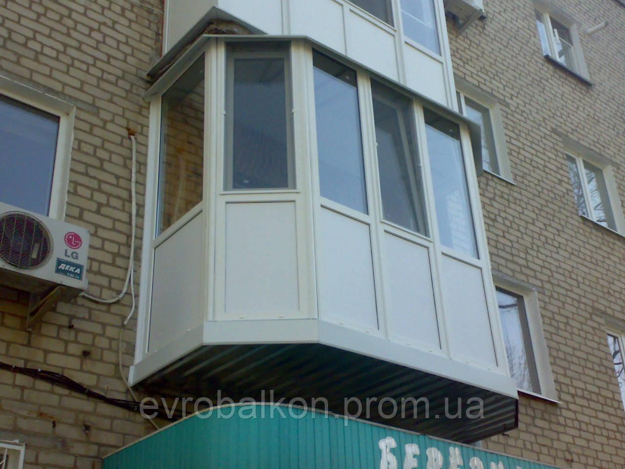Эркерный балкон фото.