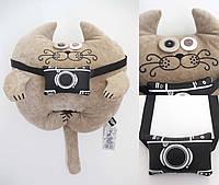 Дизайнерская игрушка Кот Фотограф карамель