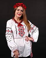 Народная женская вышитая сорочка с орнаментом