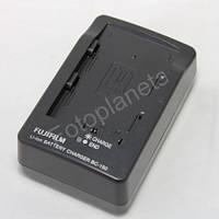 Зарядное устройство для фотоаппарата Fujifilm BC-150 BC-150 для аккумулятора NP-150 Fujifilm FinePix S5 Pro, S