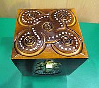 Резная шкатулка из дерева, декор из бисера. Ручная работа