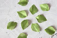 Декоративные листики из ткани 10 шт. зеленого цвета 3х2 см