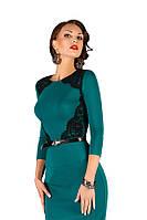 Деловое платье из трикотажа с гипюром