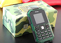 IPake Q8 Мини Ультратонкий прочный GSM телефон / 1,5 дюймовый экран с Bluetooth на английском