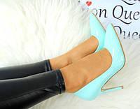 Туфли женские лаковие голубого цвтеа