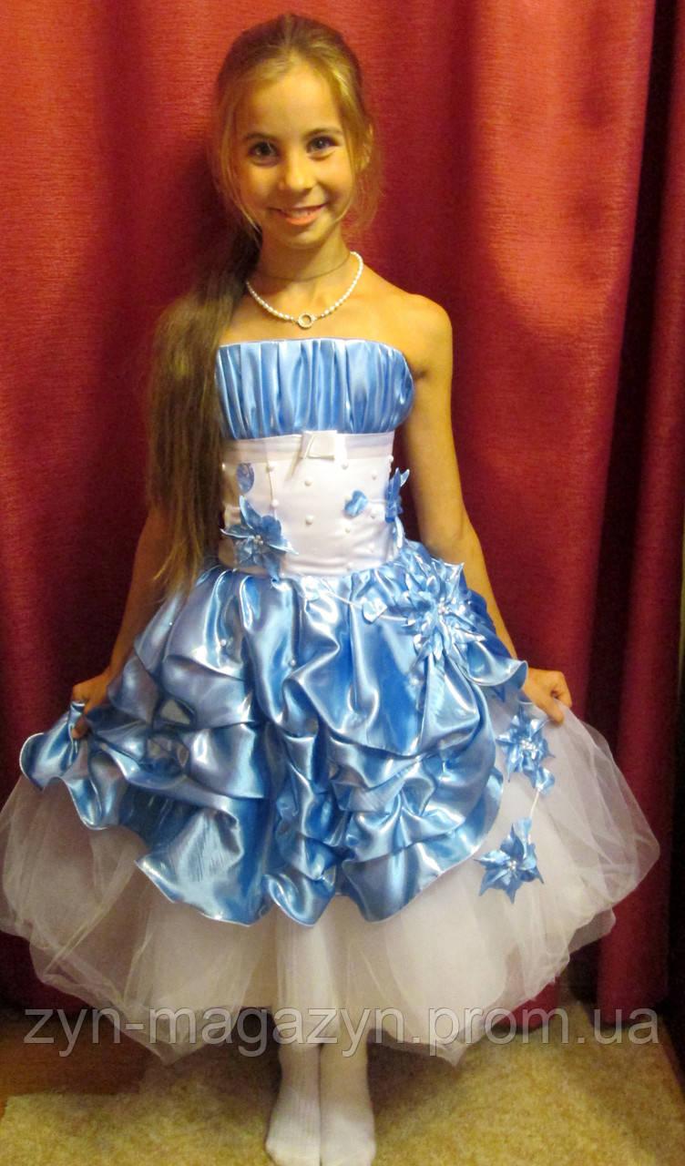 Модных платьев и костюмов для девочки