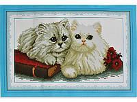 Набор для вышивки картины Пушистые Котики 45х31см