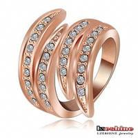 Массивное кольцо для женщины