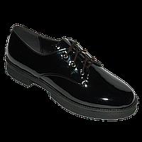 Элегантные туфли на низком ходу и шнуровке