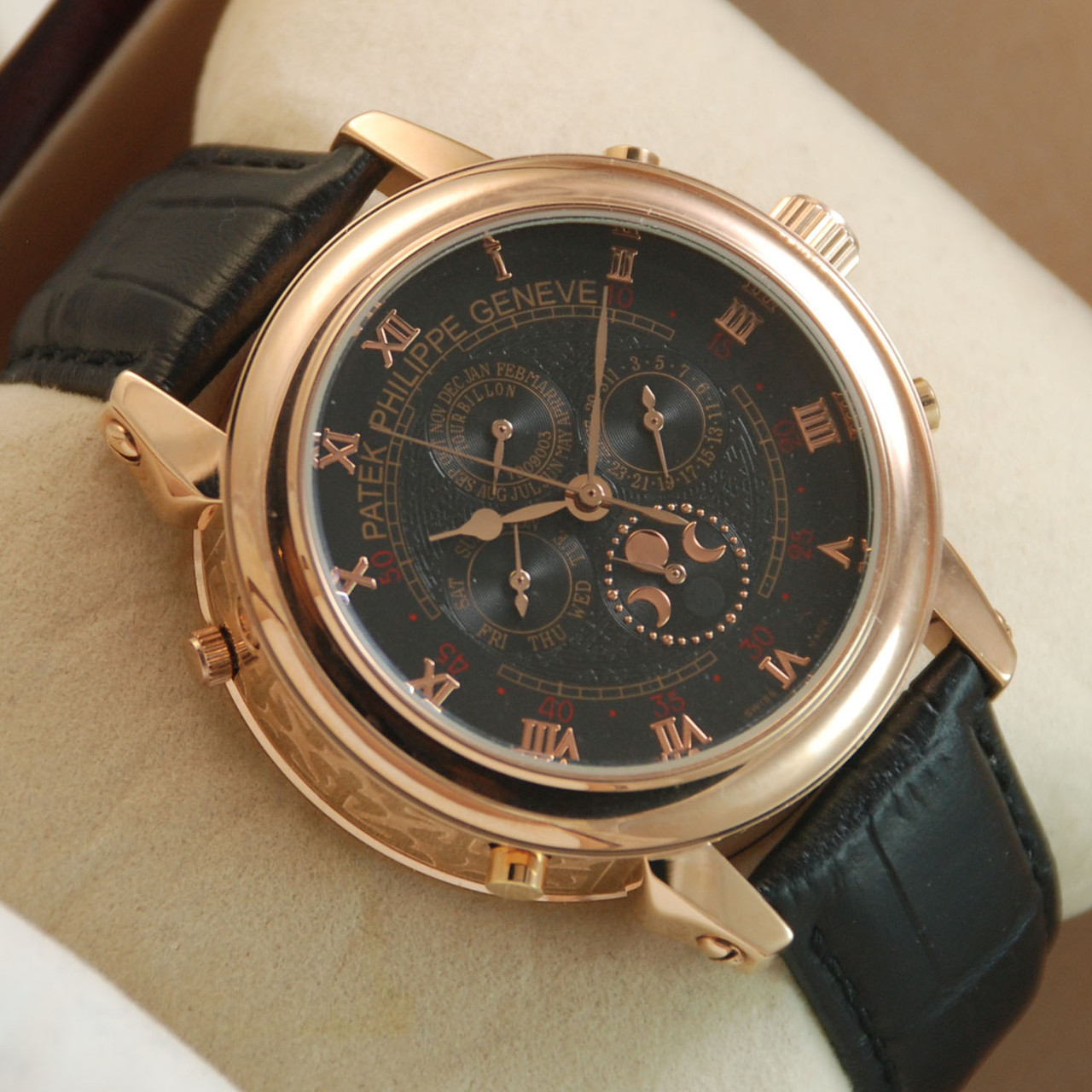 механические часы patek philippe sky moon gold black сочетанием гамме считается