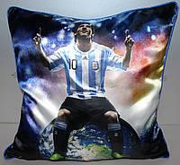 Подушка  сувенирная с зображением Лионелем Месси