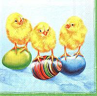Салфетка для декупажа Пасхальные цыплята на крашанках