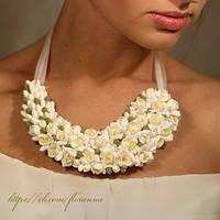 """""""Белые Фрезии"""" свадебное колье с цветами"""