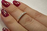Кольцо серебряное 925 пробы с маленькими фианитами