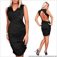 Женское платье с вырезом на спине