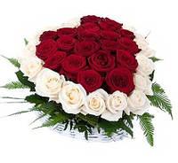 Сердце из роз в букете 39шт