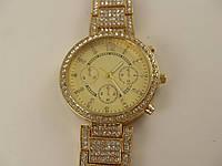 Женские наручные часы 013125 золото в стразах