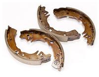 Тормозные колодки TOYOTA CARINA E (T190) (UK) 02/1992-09/1997 ( С 05/1995 -, LUCAS/TRW ) бараб., Q-TOP  QD0063