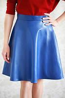 Стильная расклешенная юбка из эко-кожи