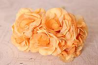 Декоративный цветок чайной розы диаметр 4 см персикового, оранжевого цвета