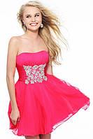 Женские платья Jovani и Sherri HillПлатье Leaksa красного цвета с декором на талии JV80058