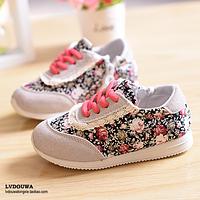 Детские кроссовки   с цветочным принтом