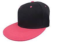 Черная кепка с розовым козырьком