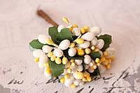 Декоративные веточки с тычинками 10-12 шт/уп. в глитерной обсыпке белый с желтым