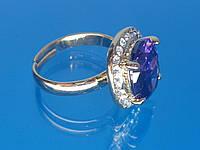 Кольцо «Арника» с устойчивым покрытием золота, стразами и цирконием (фиолетовый).