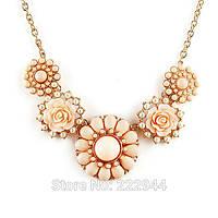Ожерелье цветы нежного цвета