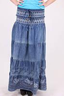 Модная молодежная джинсовая юбка с вышитыми цветами