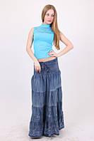 Модная длинная юбка в пол из тонкого джинса с цветами